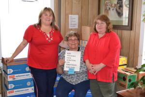 Melissa Wetzel Food bank donation